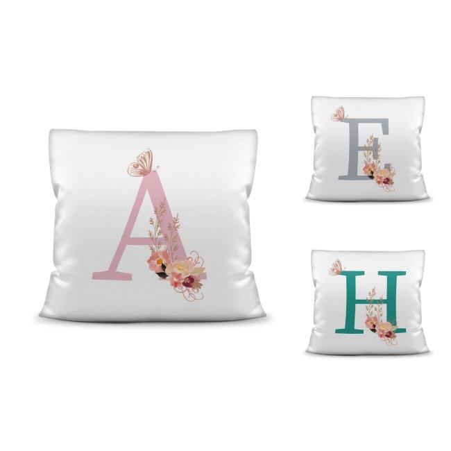 Edle Buchstaben-Kissen mit verziertem Monogramm